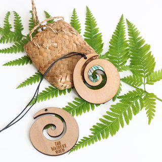 New Zealand Themed Favour - Koru with Paua Shell Inlay