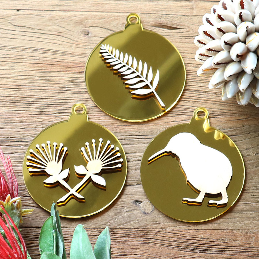 New Zealand Christmas Baubles In Gold